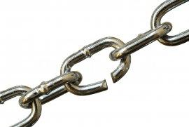 broken chain macron trump
